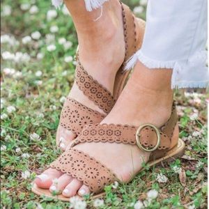 Shoes - New Lovely Camel Sandals